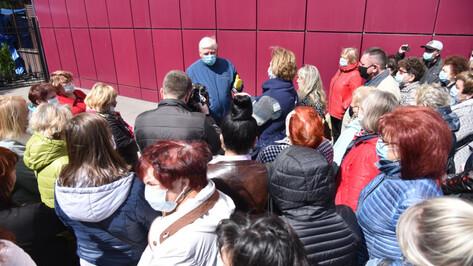 В Воронеже торговцам рынка «Придача» снизили арендную плату за время простоя на 90%