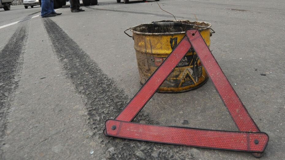 Школьница пострадала в автомобильной аварии под Воронежем