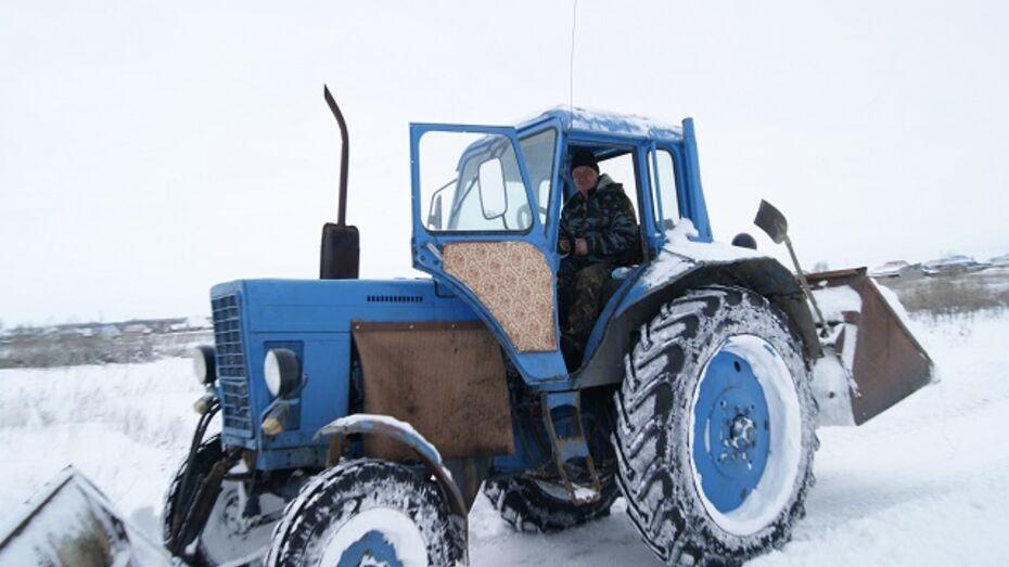 В Поворинских селах добровольцы всю зиму расчищали дороги от снега