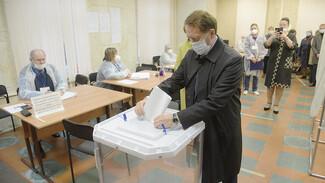 Зампредседателя Госдумы Алексей Гордеев для голосования выбрал участок в Воронеже