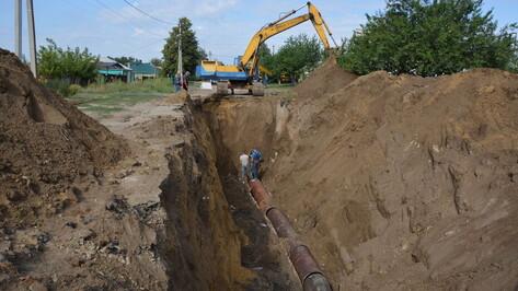 В Россошь из Воронежа доставили первую партию труб для ремонта коллектора