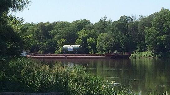 Брошенная баржа с оборудованием для АЭС нашлась на Дону в Воронежской области