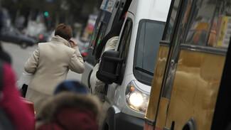 В Воронеже чиновники пообещали снимать с линии автобусы без терминалов