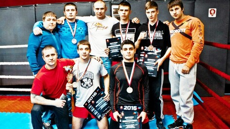 Спортсмены семилукского спортклуба «Богатырь» стали призерами областного первенства по смешанным единоборствам