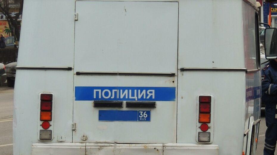 Воронежская полиция попросила откликнуться очевидцев погрома на автобазе