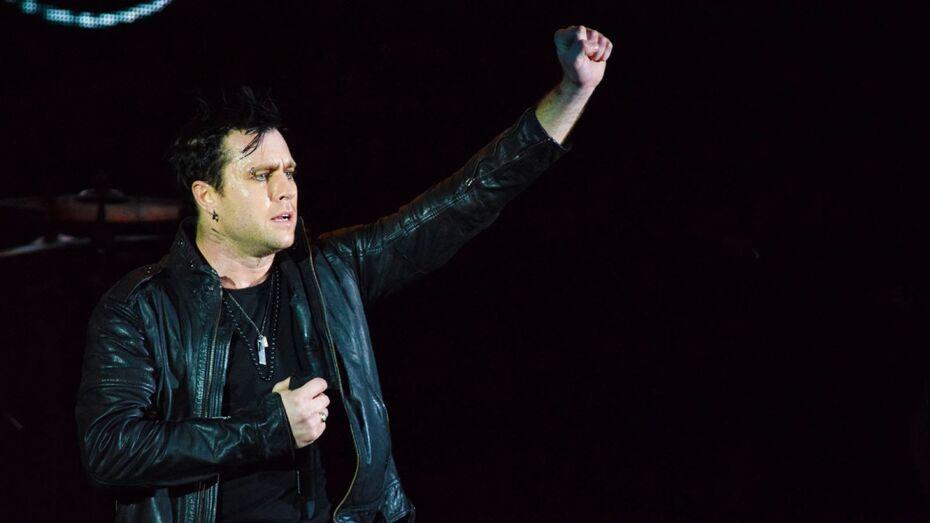 Воронежские фанаты заподозрили дистонию у солиста Three Days Grace