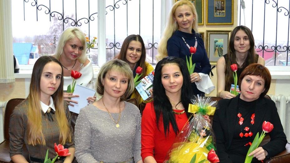 В Лисках наградили победительниц конкурса «Самая тонкая талия»