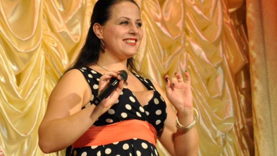 Павловская артистка получила высшую награду в финале конкурса «Красная гвоздика»
