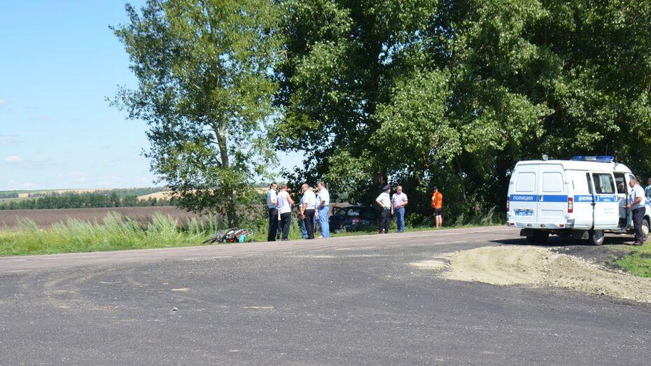 В Воронежской области при столкновении скутера и Lada Granta погибли 2 мужчин