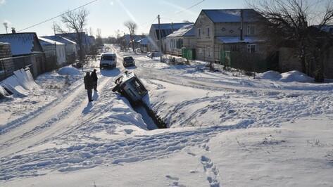 На улице в Павловске перевернулась «Нива»
