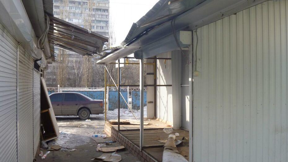 Воронежец ранил торговку мини-рынка на улице Владимира Невского