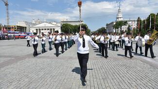 Пропускать зрителей в «чистые зоны» начнут за 1,5 часа до парада в Воронеже