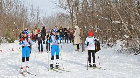 В Россошанском районе более 200 спортсменов приняли участие в лыжных гонках