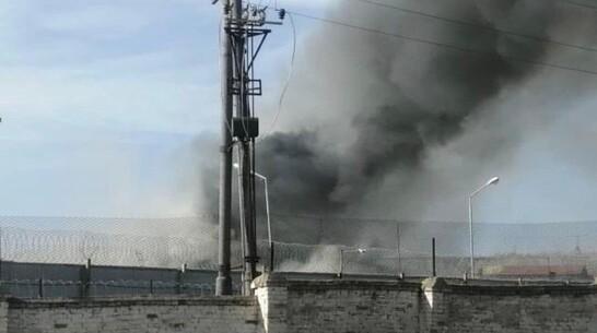 Крупный пожар произошел в колонии под Воронежем