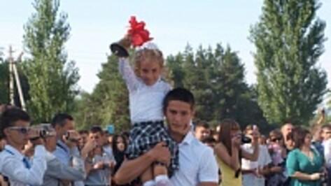 Во всех школах Калачеевского района прошли торжественные линейки