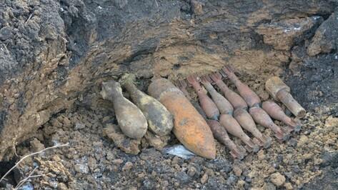В Рамонском районе извлекли из земли 47 снарядов времен войны
