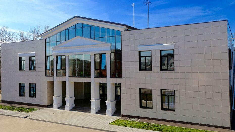 Строящийся кинотеатр в Новой Усмани жители назвали «Небо»