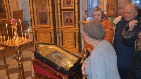 В храм поворинского села Пески вернули старинную икону