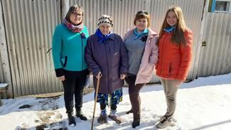 В павловском селе Воронцовка труженицам тыла вручат памятные синие платочки