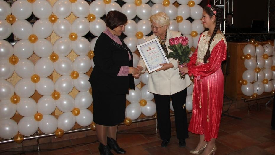 В Воронежской области наградили лучших учителей 2014 года