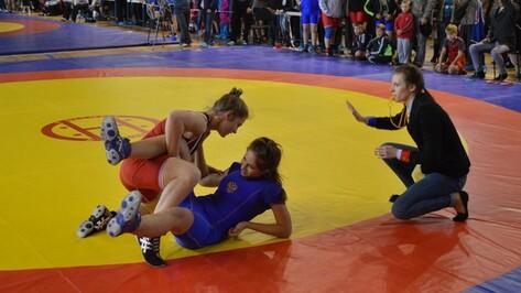 Эртильские борцы стали победителями межрегионального турнира