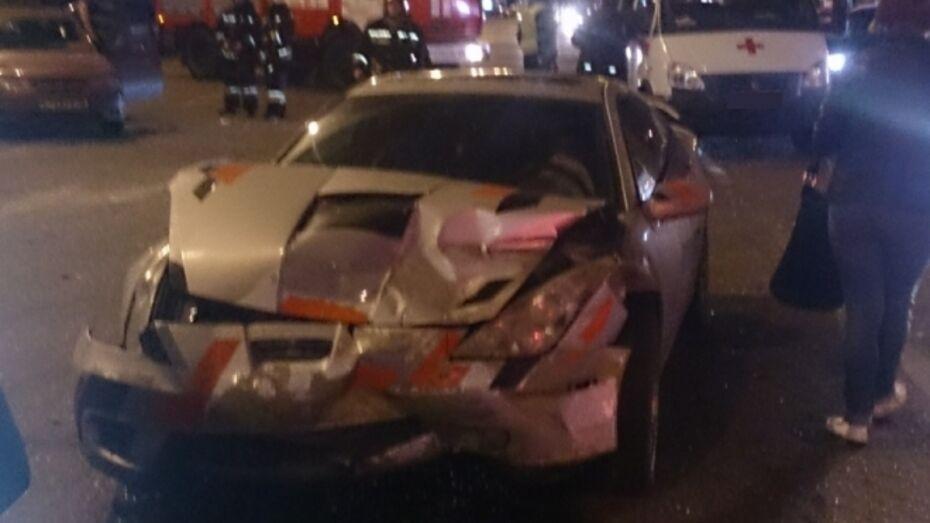 В Воронеже двое пострадали в ДТП с «ВАЗом» и иномаркой