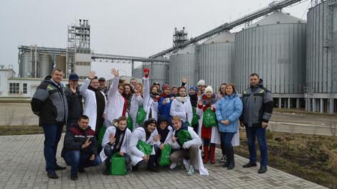 Ученики павловского агрокласса побывали на предприятии «АГРОЭКО» по производству кормов