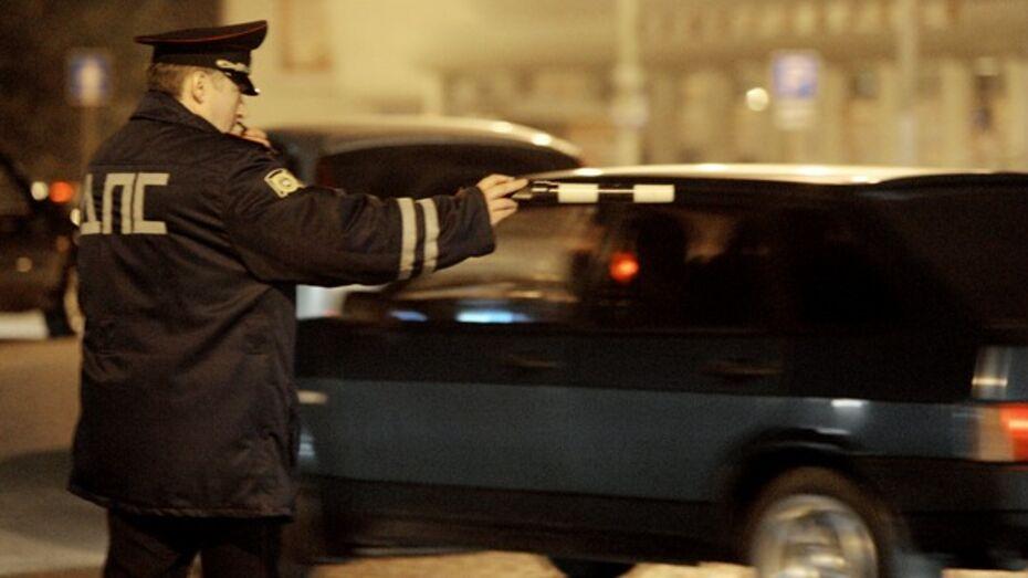 Воронежские автоинспекторы задержали подозреваемого в грабеже
