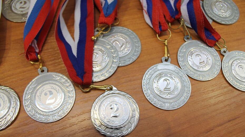Хохольские спортсмены заняли второе место в областном первенстве по мини-лапте