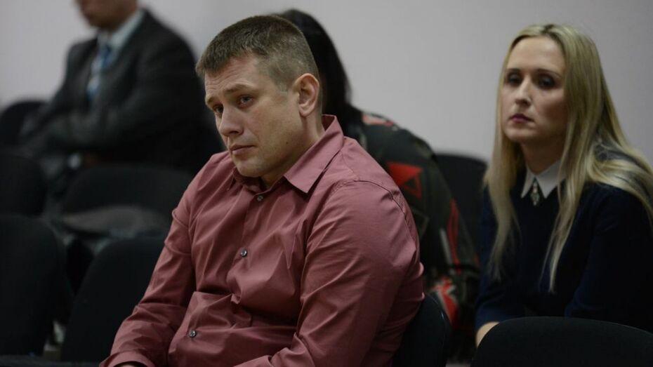 Виновник гибели семейной пары под Воронежем Михаил Попов остался дома вместо колонии