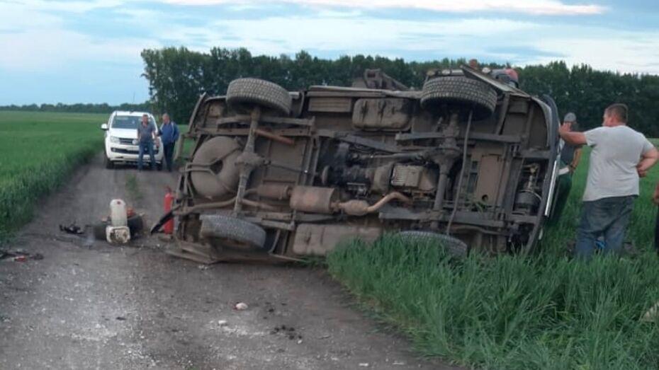 «Буханка» перевернулась под Воронежем: водитель погиб