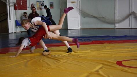 Спортсменка из Анны победила на первенстве ЦФО по вольной борьбе