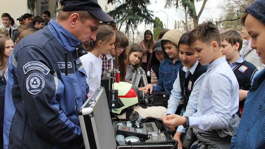 Герои Чернобыля провели урок мужества для школьников Нововоронежа