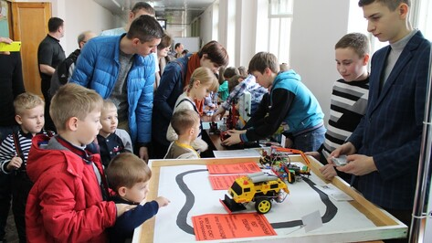 Острогожские школьники победили на фестивале «РОБОАРТ-2016»