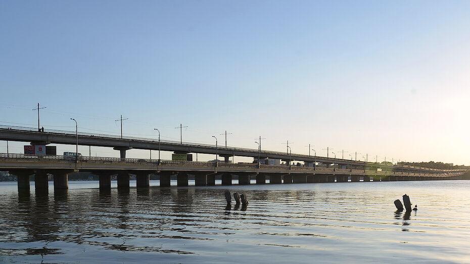 Мэрия Воронежа отвергла идею выделенной полосы для маршруток на 2-м ярусе Северного моста