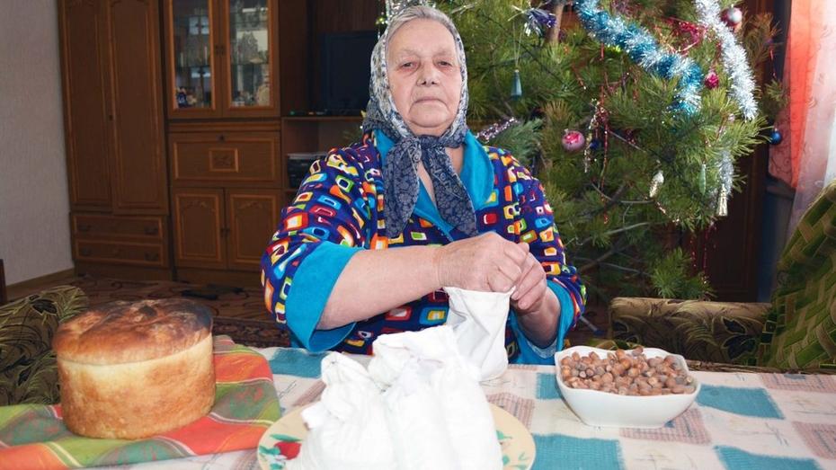 Жители Нижнедевицкого района  поставили на столы 13 рождественских блюд