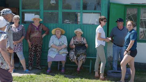 Поливать или пить? Под Воронежем после наплыва дачников деревня осталась без воды