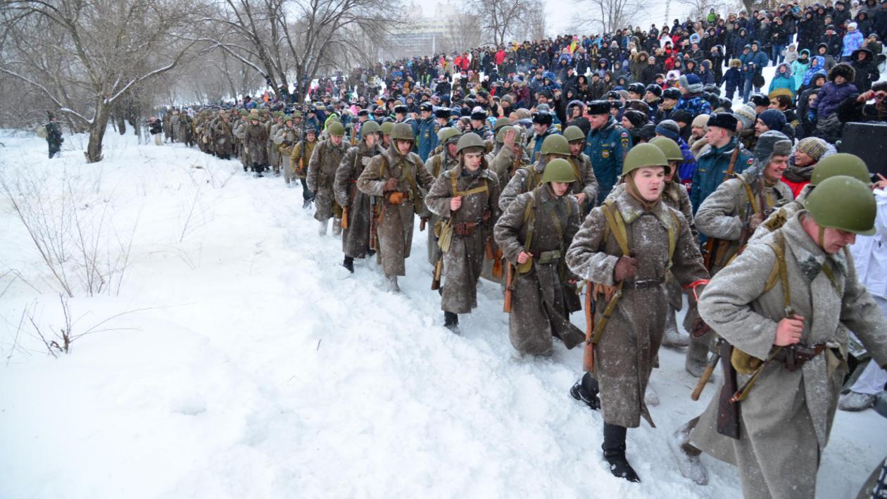 Самая теплая и массовая. В Воронеже реконструировали бой за поселок Первое Мая