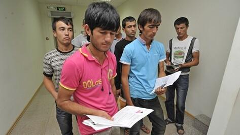 «Черные бригадиры» или легальные мигранты. Кому поможет миграционный центр в Воронеже?