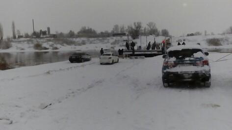 На выезде из Воронежа возобновилось движение по понтонному мосту