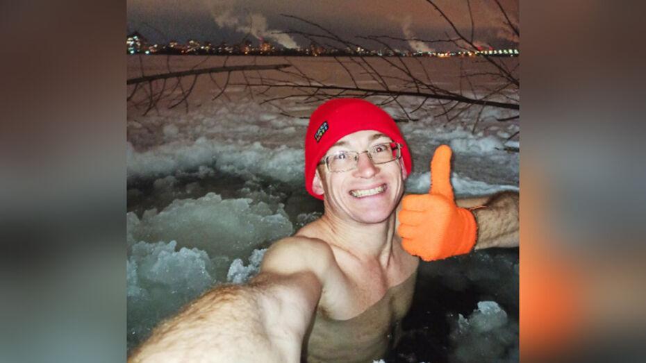 Воронежцы сняли моржа, купающегося в водохранилище