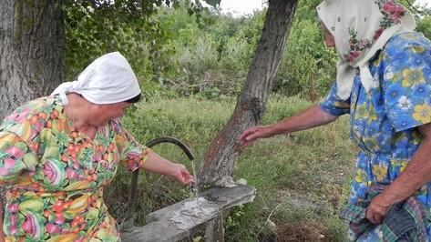 Жители кантемировского села провели без воды три недели