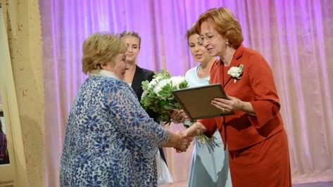 На благотворительном аукционе «Белый цветок» в Воронеже собрали 2,5 млн рублей