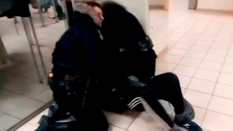 Прокуроры нашли нарушения в проверке МВД по факту драки в торговом центре в Воронеже
