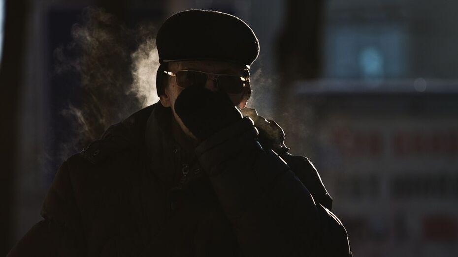 Зашедший погреться в подъезд житель Воронежской области ограбил подвал