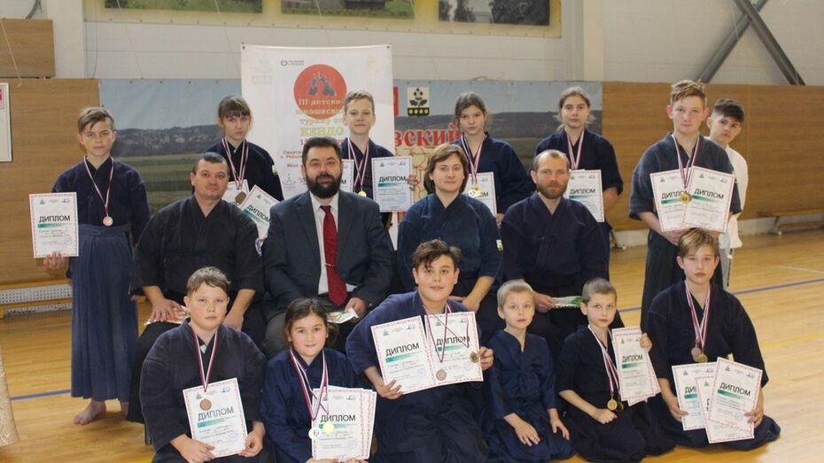 Репьевцы завоевали 3 «золота» на областном турнире по кендо