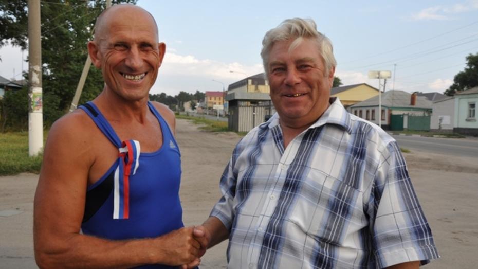 Учитель физкультуры из павловского села отметил свое 59-летие марафоном в 42 километра