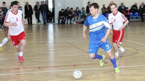 Богучарские ветераны футбола заняли второе место в чемпионате Черноземья на кубок Кусурова
