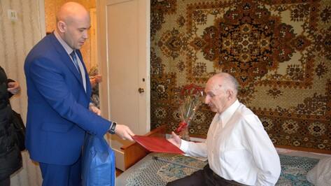 Поворинского ветерана с 90-летием поздравил Владимир Путин