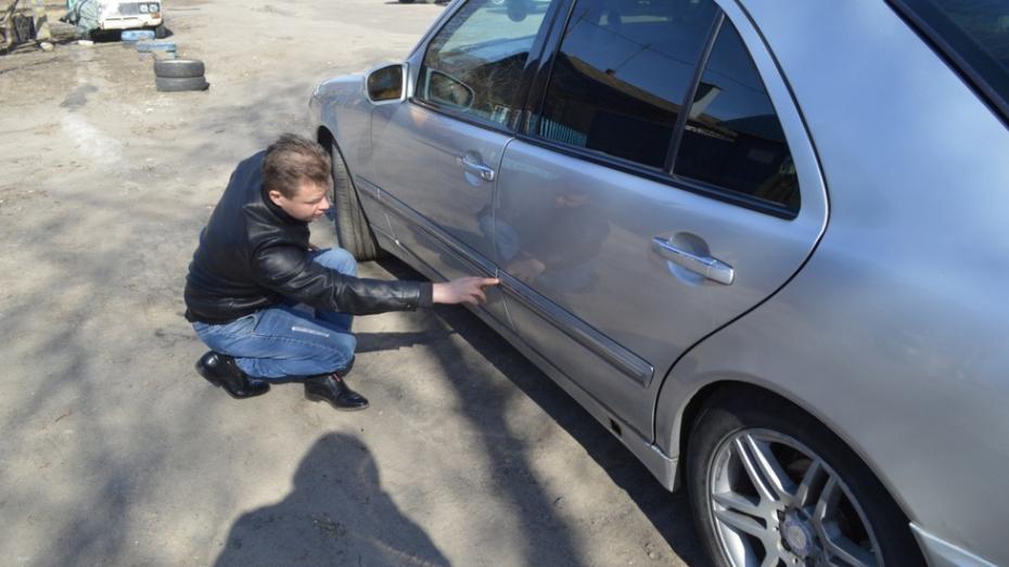 Воронежские автомобилисты получили более 3 млн от водителя, разлившего по дороге кислоту